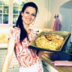 Sandra Exl mit ihrem Osterkranz
